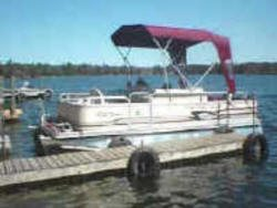 Pontoon for rent at Pine Ridge Resort